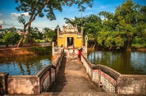 Le pont de Khum : vestige d'un passe lointain hinh anh 2