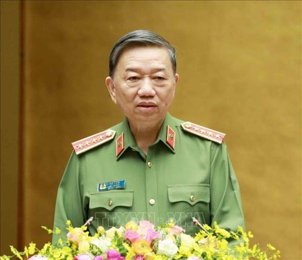 COVID-19 : Le ministre de la Securite publique apprecie les contributions de la police hinh anh 1