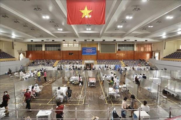 Debat sur la reprise socio-economique en phase post-pandemique au Vietnam hinh anh 2