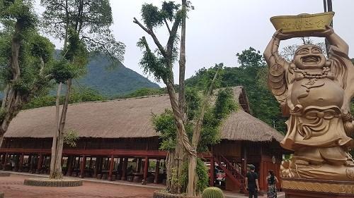 Le Paragon Hill Resort recoit trois records du Vietnam hinh anh 1
