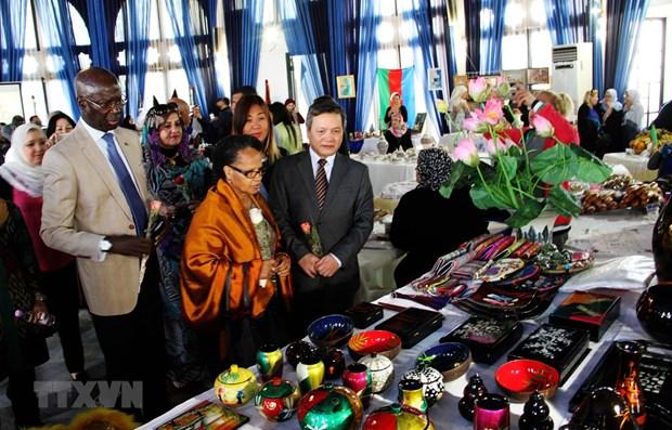 Presentation de la culture et de la gastronomie du Vietnam en Algerie hinh anh 1