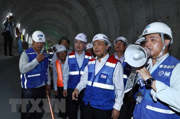 Le Premier ministre se rend sur le chantier de la ligne de metro a HCM-Ville hinh anh 1