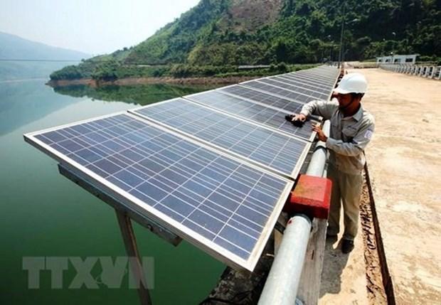 Des habitants d'Ho Chi Minh-Ville s'interessent a l'energie solaire hinh anh 1