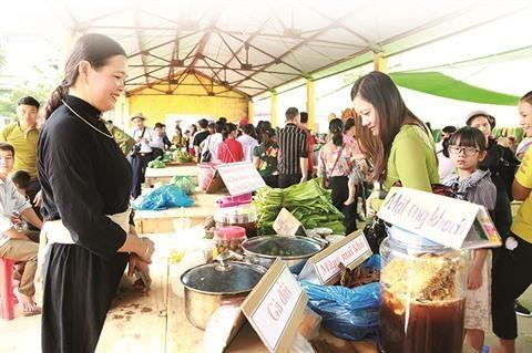 Immersion culturelle a la foire de Ha Lau hinh anh 1