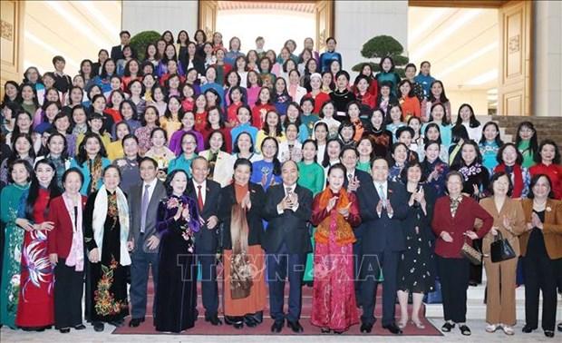 Le PM rencontre des femmes deputees a Hanoi hinh anh 1