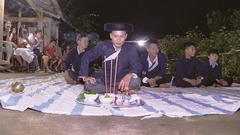 Le nhay boi des Dao pour accueillir le Nouvel An hinh anh 1