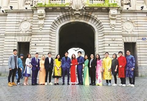 Le Nouvel An lunaire des etudiants vietnamiens a l'etranger hinh anh 1