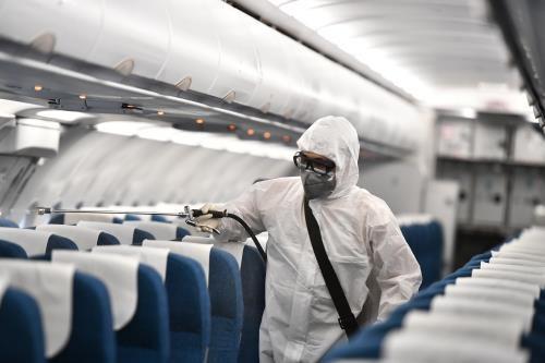 COVID-19: Vietnam Airlines retablit certains services sur ses vols hinh anh 1