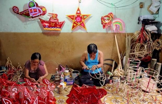 Les jouets traditionnels de la fete de la mi-automne de plus en plus prisee hinh anh 2