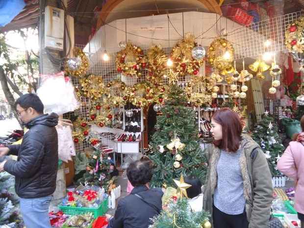 L'atmosphere de Noel s'empare Hanoi hinh anh 2