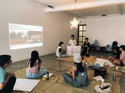 Ho Chi Minh-Ville ; La classe CaRo et son aventure des arts contemporains hinh anh 2
