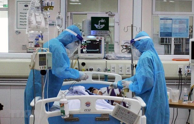 COVID-19 : HCM-Ville appliquent des mesures plus efficaces pour le traitement des cas infectes hinh anh 2