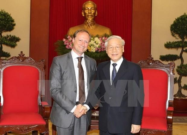 Le leader du PCV recoit l'ambassadeur belge Bruno Angelet hinh anh 1