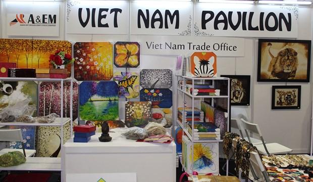 Des entreprises vietnamiennes a la 16e Foire des cadeaux de Singapour hinh anh 1