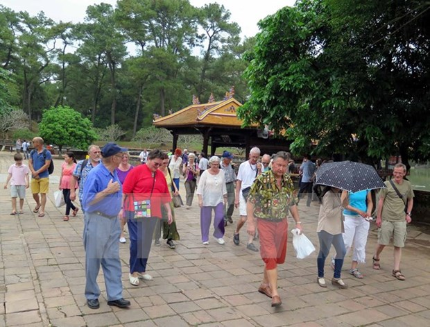 Thua Thien-Hue : le nombre de touristes etrangers en hausse de 2,44% hinh anh 1