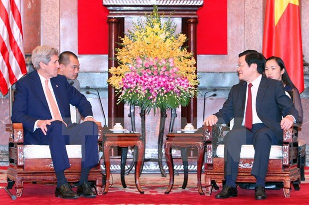 Le president Truong Tan Sang recoit le secretaire d'Etat americain John Kerry hinh anh 1