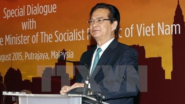 Le PM rend visite a l'Ambassade du Vietnam en Malaisie hinh anh 1