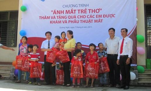 1,6 milliard de dongs « Pour les yeux des enfants » hinh anh 1