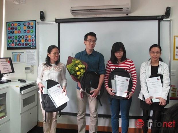 Le premier candidat vietnamien remporte un prix regional IELTS hinh anh 1