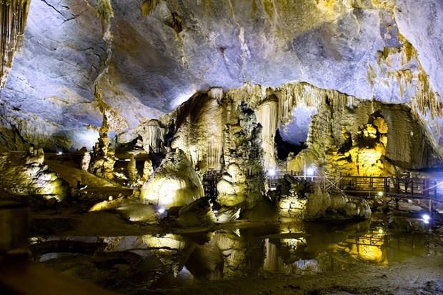 Semaine de la decouverte de la beaute des grottes de Quang Binh hinh anh 3