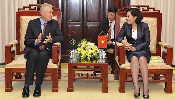 La BAD accompagne toujours le developpement socio-economique du Vietnam hinh anh 1