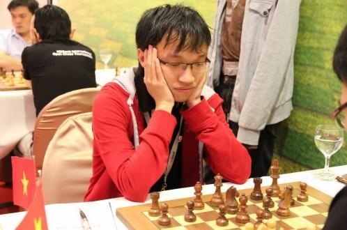 Nguyen Ngoc Truong Son, champion en blitz d'Asie 2015 hinh anh 1