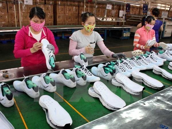 Le Vietnam, 3e exportateur de chaussures et sandales en UE hinh anh 1