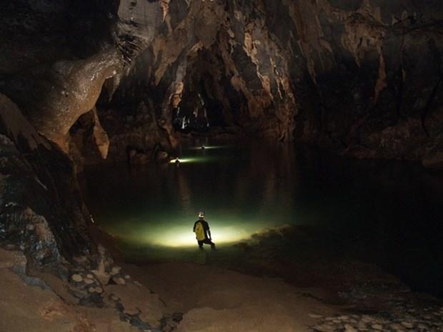 Quang Binh ouvre un circuit touristique dans la caverne de Tien hinh anh 1