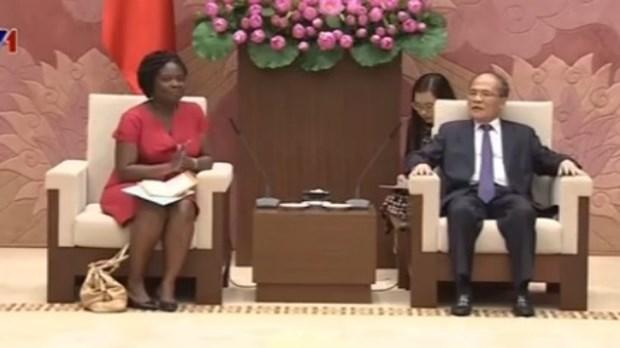 Le president de l'AN recoit la directrice de la BM au Vietnam hinh anh 1