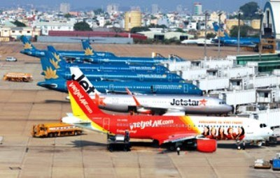 Des investisseurs etrangers interesses par le secteur aerien vietnamien hinh anh 1