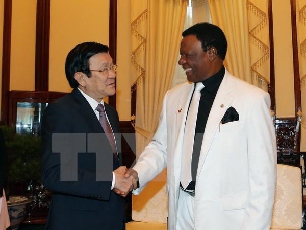 Le president Truong Tan Sang recoit l'ambassadeur du Nigeria hinh anh 1