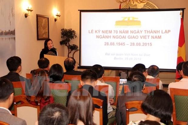 Les 70 ans de la diplomatie du Vietnam celebres dans plusieurs pays hinh anh 1