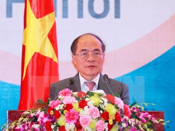 Le president de l'AN Nguyen Sinh Hung quitte le pays pour les Etats-Unis hinh anh 1