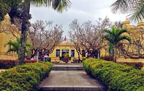 Un musee centenaire qui preserve la sculpture cham hinh anh 1