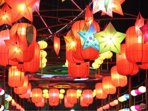Mi-automne : a la decouverte de la plus longue route des lanternes au Vietnam hinh anh 3