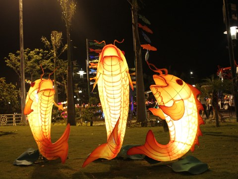 Mi-automne : a la decouverte de la plus longue route des lanternes au Vietnam hinh anh 2