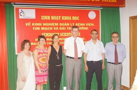 Cooperation entre les hopitaux franco-vietnamiens hinh anh 1