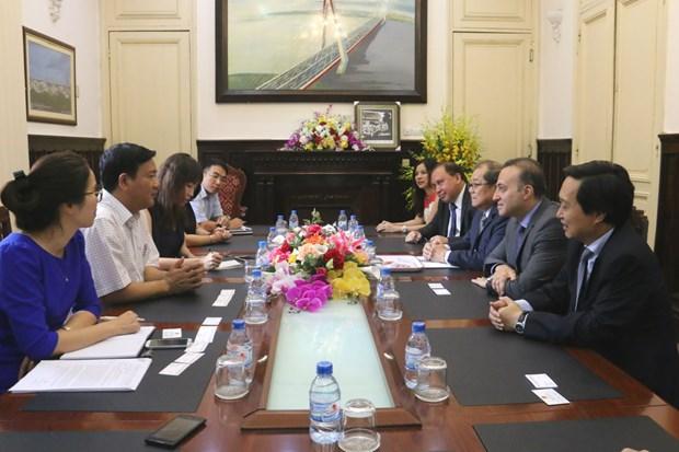 Un investisseur singapourien s'interesse aux projets portuaires au Vietnam hinh anh 1