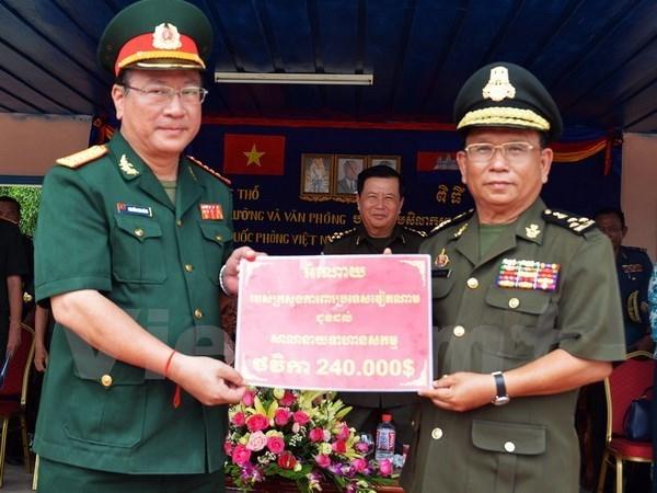 Mise en chantier d'un ouvrage finance par le Vietnam pour l'Armee cambodgienne hinh anh 1