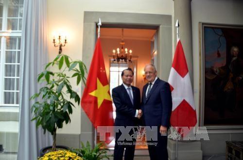 La Suisse attache de l'importance a sa cooperation avec le Vietnam hinh anh 1