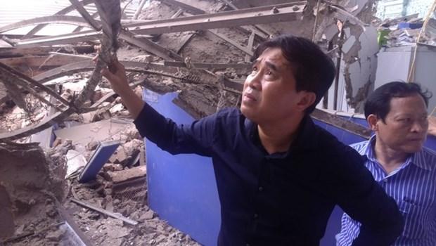 Hanoi : une maison ancienne s'effondre au centre-ville, deux morts hinh anh 5