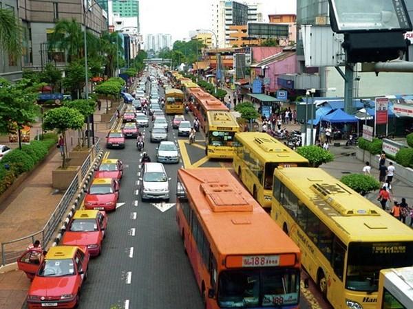 La BAD abaisse a nouveau ses previsions de croissance de l'Indonesie a 4,9% hinh anh 1