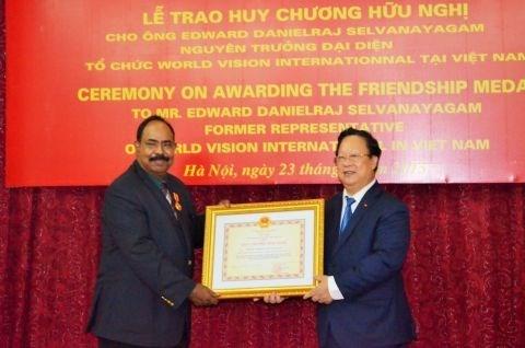 Un ancien representant en chef de la WVI a l'honneur hinh anh 1