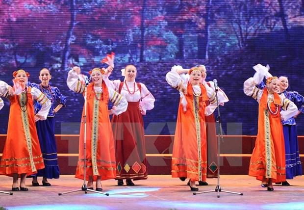Ouverture d'un festival de la culture russe a Hanoi hinh anh 1