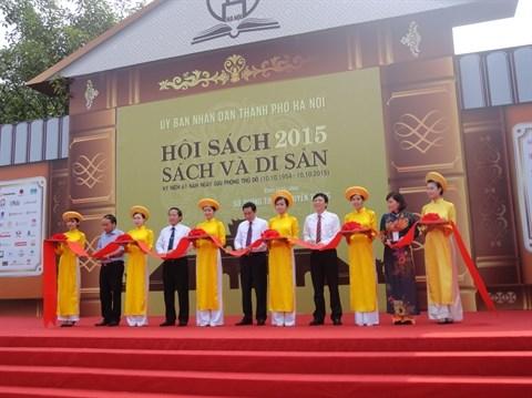 Plus de 20.000 titres a la deuxieme Fete du livre de Hanoi hinh anh 1