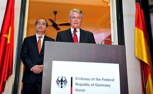 Le 25e anniversaire de la reunification allemande fete a Hanoi hinh anh 1