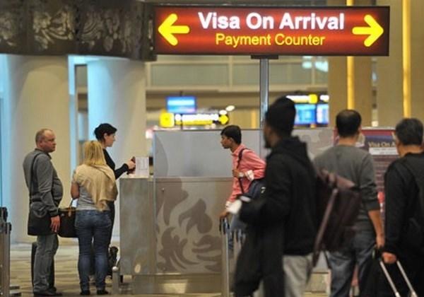 L'Indonesie supprime les visas pour les citoyens de 75 pays hinh anh 1