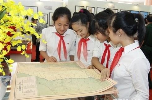 Une exposition sur la mer et les iles vietnamiennes a Quang Ngai hinh anh 1