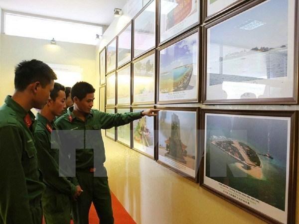 Exposition de photos et d'archives sur Hoang Sa et Truong Sa a Son La hinh anh 1