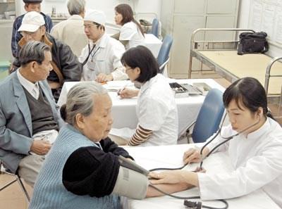 UNFPA : seminaire sur les politiques pour les personnes agees a Hanoi hinh anh 1